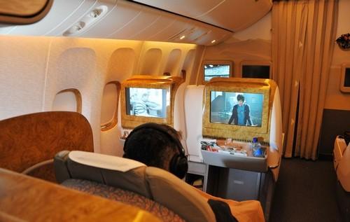 boing 777 300 Бизнес класс в Эмирейтс