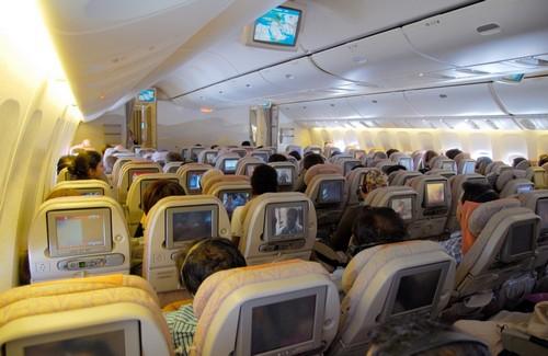 Боинг 777 300 фото салона в Эмирейтс